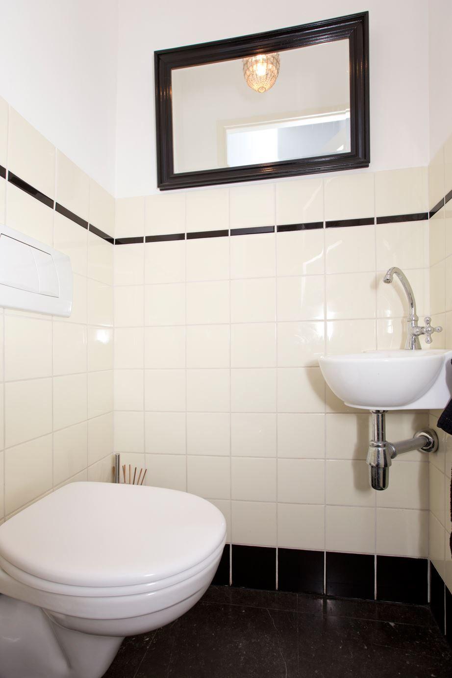 view bathroom ideas%0A Jaren  woningen nl   Toilet in  jaren   stijl