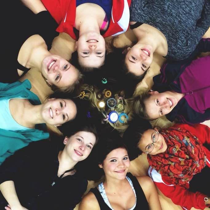 """Liebe Grüße an die """"City Dancer"""" aus Saalfeld! Wir hoffen unser kleines Sponsoring für eure Gruppe bereitet euch viel Freude. Für euren weiteren Erfolg drücken wir all unsere Däumchen!  Habt auch ihr eine Gruppe , die es verdient hat von uns gesponsert zu werden? Dann Email mit kurzer Begründung an promo@papanga.de.   City Dancer Saalfeld: http://www.citydance-saalfeld.de"""