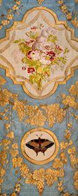 Echantillon broché soie et or. Meuble d'été de la chambre de la reine Marie-Antoinette à Versailles. © Philippe Sébert