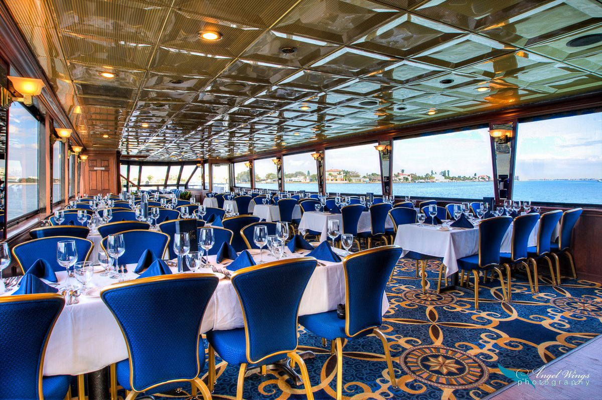 Starlite Shire Dining Yacht