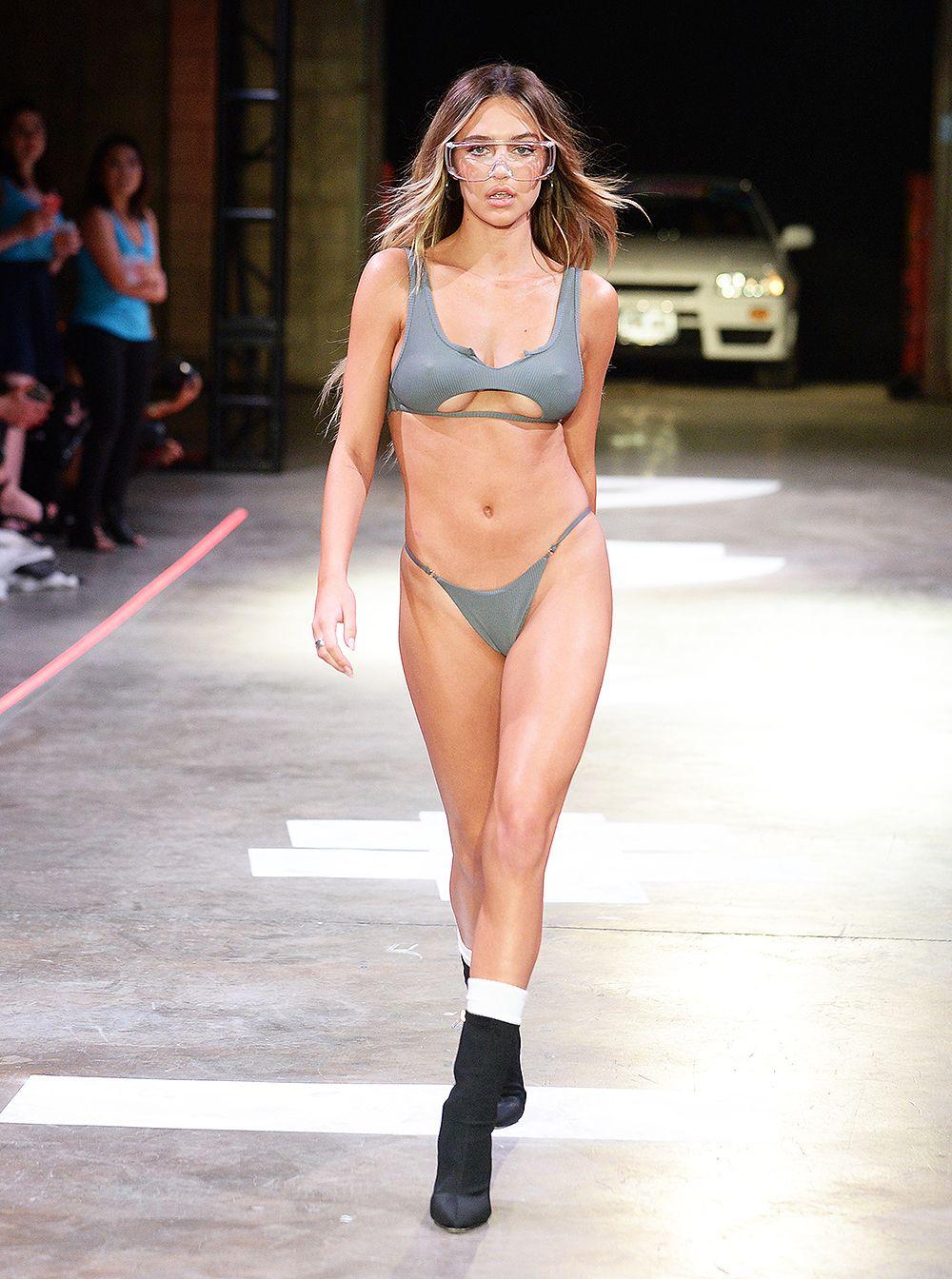 Delilah Belle Hamlin Bikini Nude Photos 89