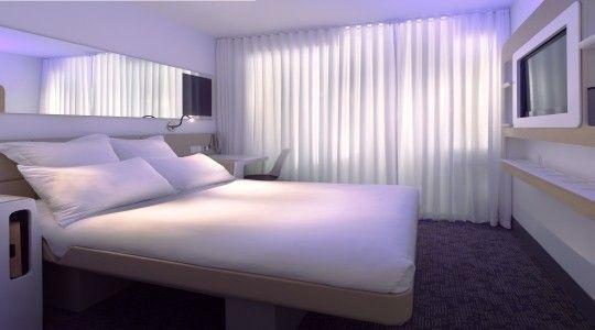 yotel sky cabin   Cozy small bedrooms, Hotels room, Cabin ...