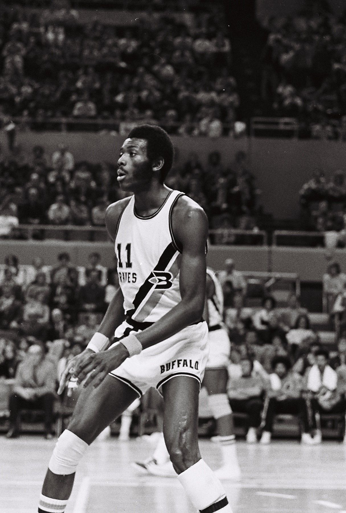 Bob Mcadoo Superstar From The Largely Forgotten Buffalo Braves Nba Legends Basketball Players Basketball Pictures