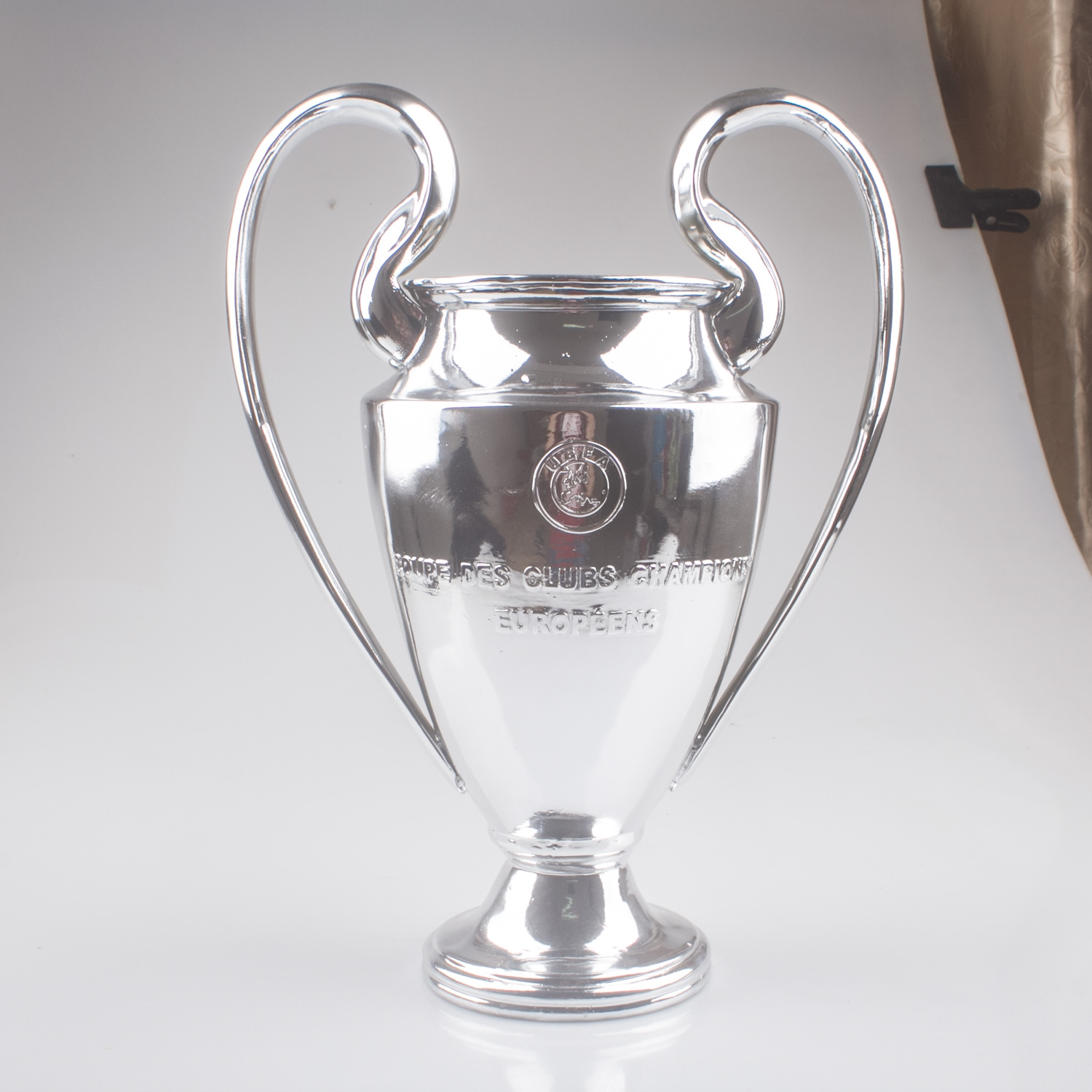 64 90 Buy Now Http Ali9rb Worldwells Pw Go Php T 32720873684 Free Shipping 30cm Big Ear Cup Champions League European Football Trophy Cup Stuff To Buy