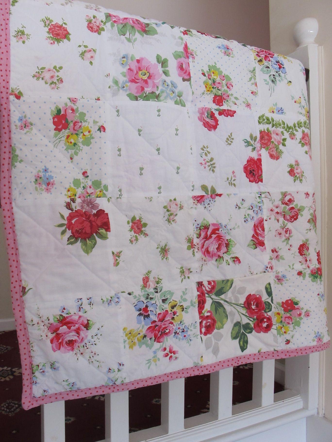 Rose Garden of fabrics ~ beautiful quilt in white , bound in IKEA ... : beautiful quilt fabrics - Adamdwight.com
