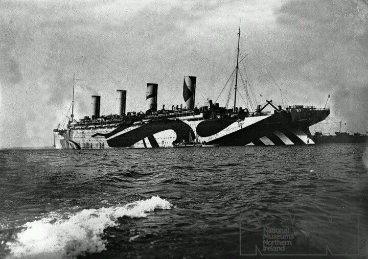 rms olympic during the war in her razzle dazzle disguise paint タイタニック 客船 艦船