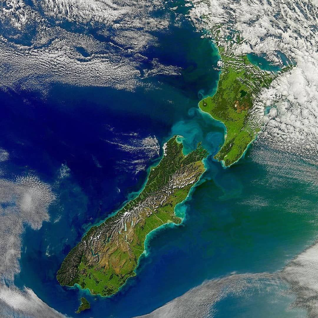 High Resolution Satellite Image Of New Zealand By Nasa 29 April 2011 Map Maps Cartography Geography Topography Paisaje Increibles Nueva Zelanda Viajes