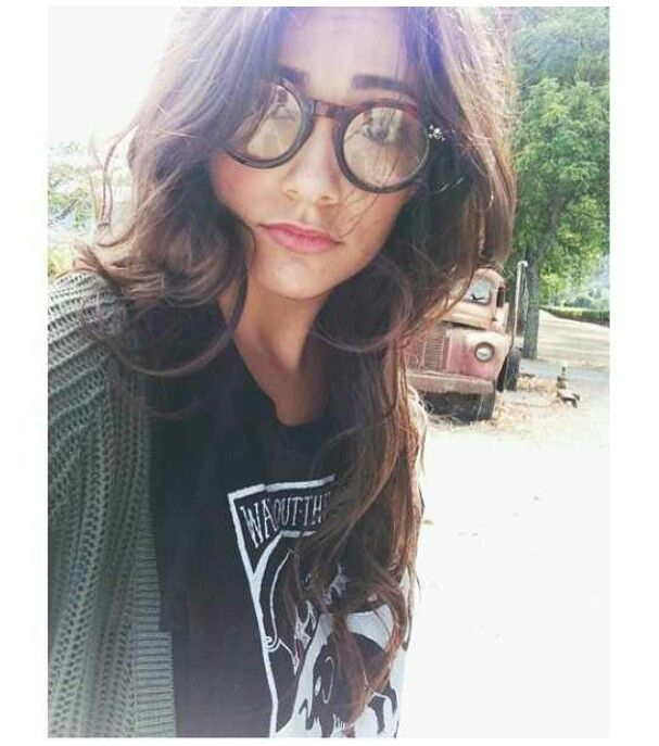 @Bethany Shoda Mota is so beautifuuul.♡✌ no joke!