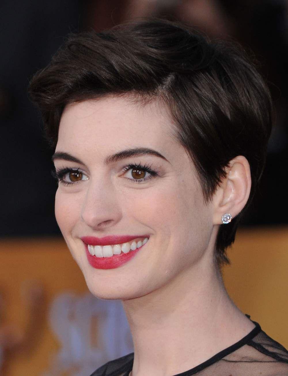 10 coupes courtes fa on gar onne les coupes de cheveux femme actuelle et gar onne - Coupe garconne fille ...