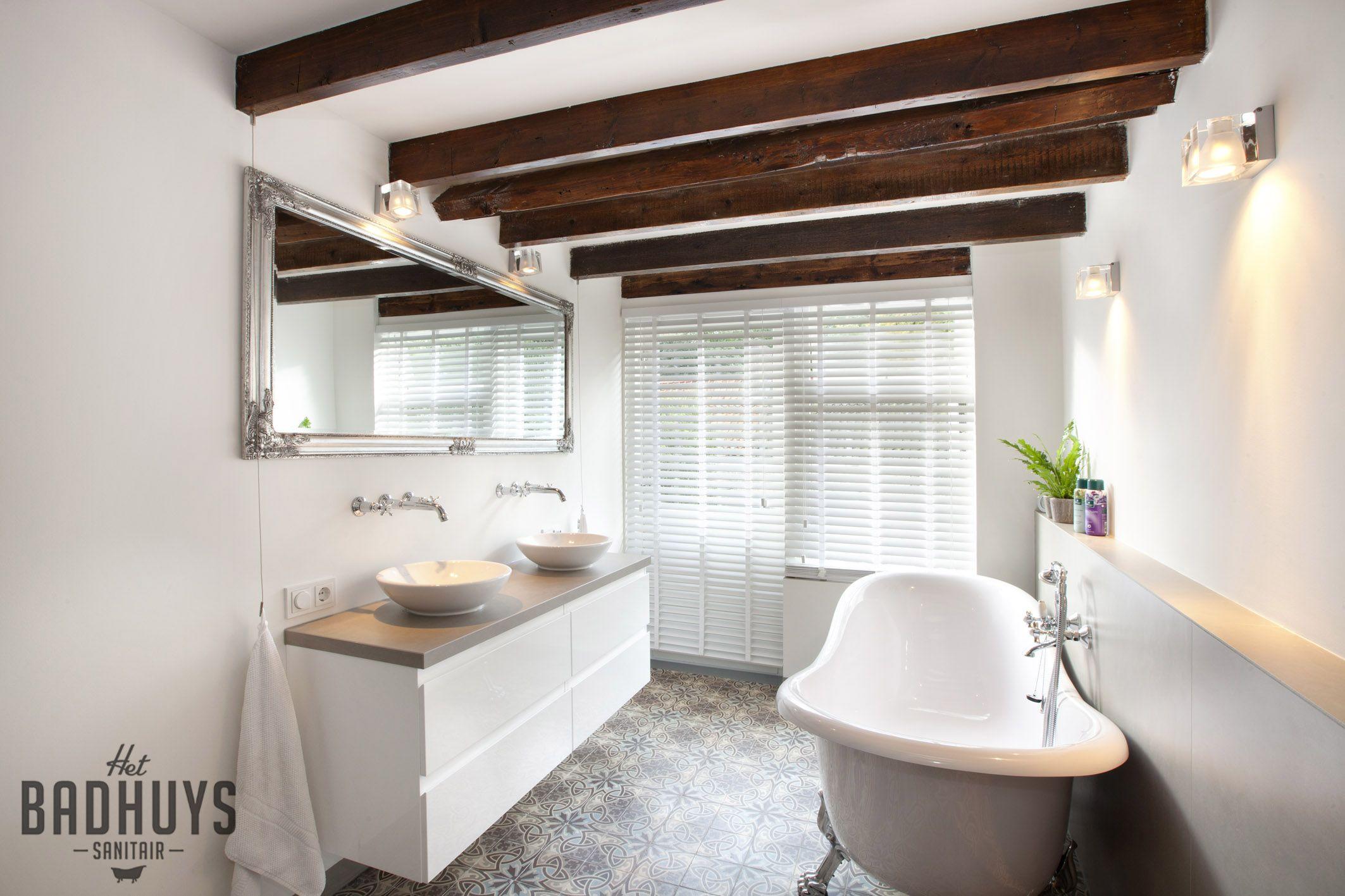 Klassieke Badkamer met vrijstaand bad, Het Badhuys Breda | Het ...