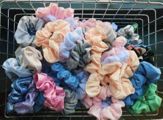 Scrunchies vsco Scrunchies vsco    Paquetes de 10-20-30-40 y 50 scrunchies cónsulta los costos en mi perfil 😉   #scrunchies #Scrunchiesphotography #VSCO