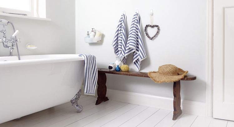 Freshen Up Your Bathroom Using Command Large Towel Hooks And Medium Bath The Water Resistant Strips Are Perfect For Wet Humid