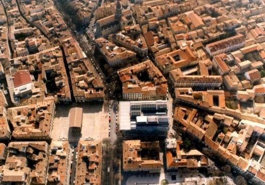 Carre D Art Roman Temple Nime France Norman Foster Nimes
