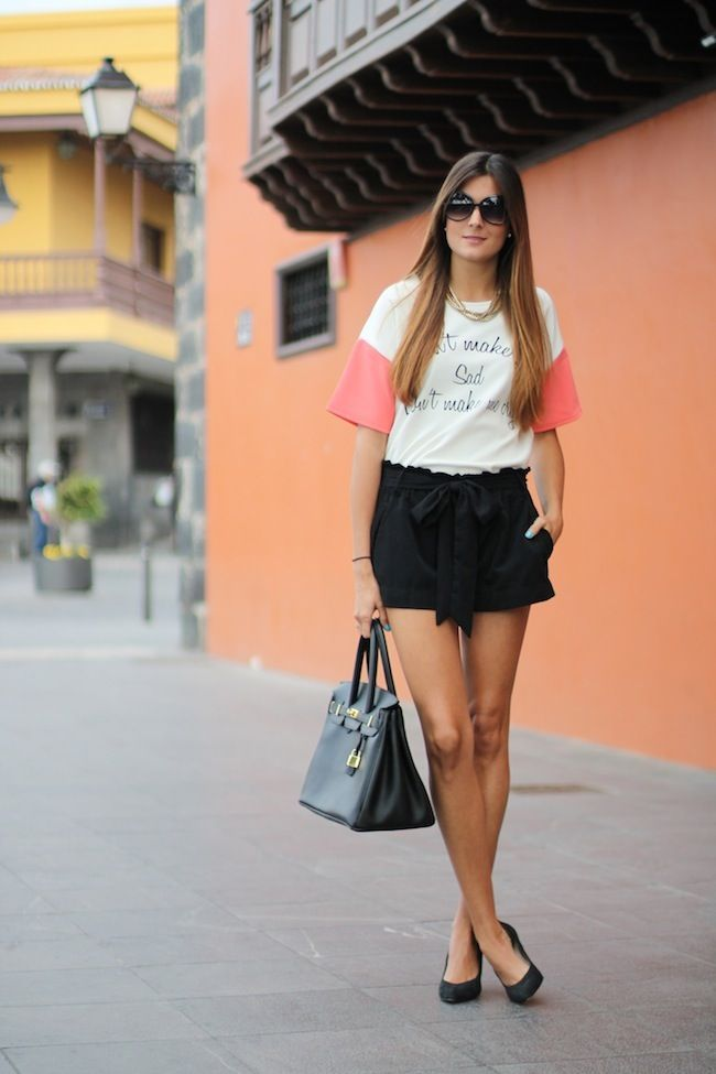 T-Shirt: Nowsityle Shorts: Stradivarius (old) Shoes: Mango (old) Bag: De Lolas Tenerife Sunnies: Mango (ss13)