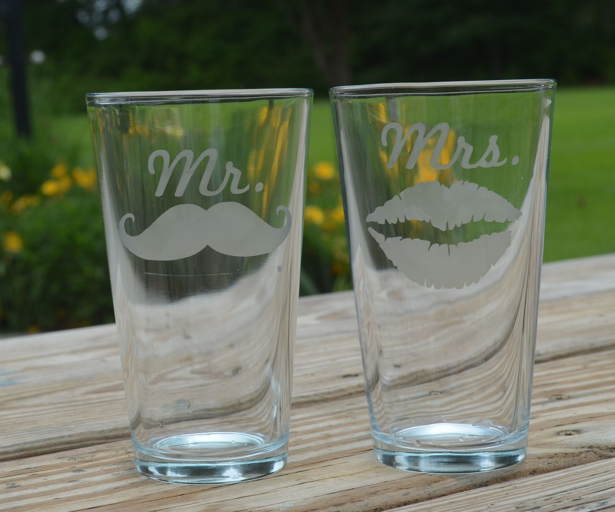 EASY DIY Mr & Mrs Etched Glasses Blueberry cobbler
