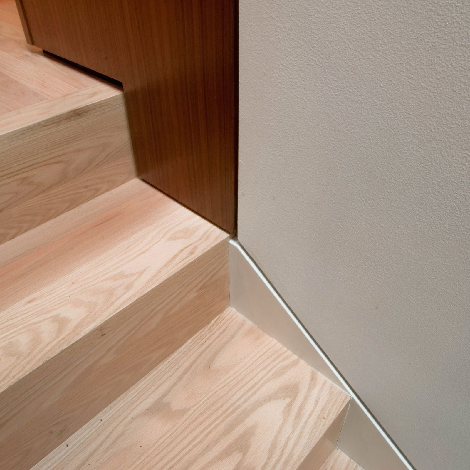 Best Modern Base Transitions Stairs Without Nosing Stairs Stair Detail 400 x 300