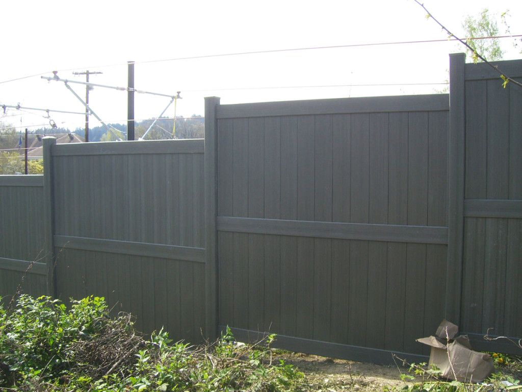 A Bufftech Vinyl Fence Is The Perfect Choice For Sophisticated Privacy Home Garden Home Design Fences Vinyl Privacy Fence Vinyl Fence Fence