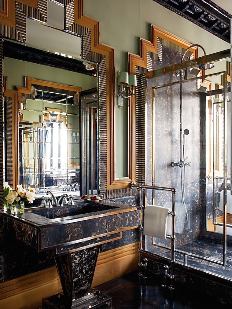 Lorenzo Castillo bathroom, Photo Simon Upton for ELLE DECOR #LorenzoCastillo #Blackmarbleandwoodbathroom #Metalandblackmarbleshower #marbleandbrasssink @Bocadolobo @LorenzoCastillo