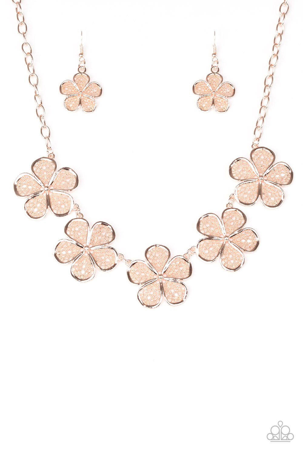 No Common Daisy Rose Gold Necklace Featuring Lace Like Petals Glistening Rose Gold Daisies Link Be Rose Gold Druzy Earrings Gold Necklace Set Gold Necklace
