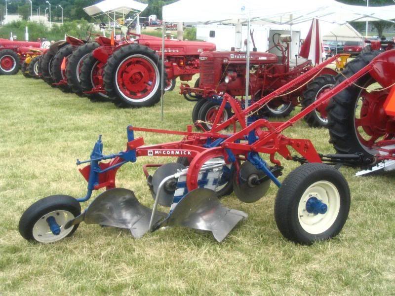 Little Genius Plow 2 Bottom Vintage Tractors Farmall Tractors