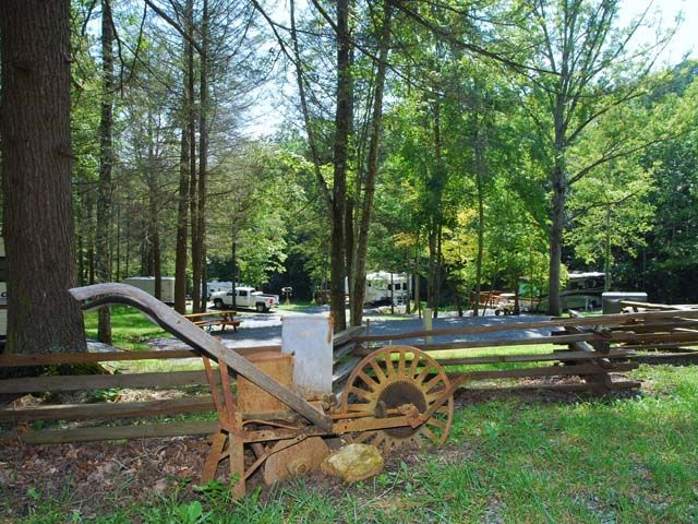 Pin By Michelle Cain Giles On Campgrounds Camping In Tennessee Mountain Cabin Rentals Cabin Rentals