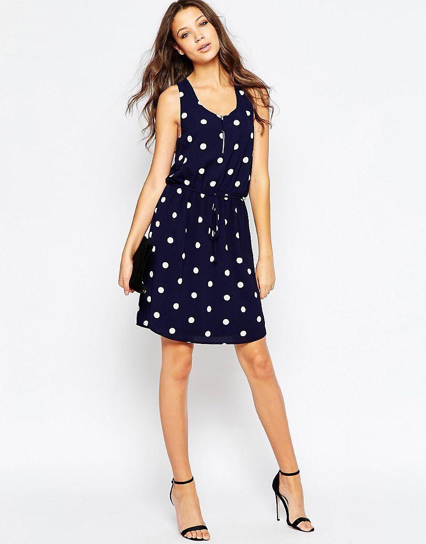 Y.A.S   Y.A.S Tall – Gepunktetes Kleid mit Kordelzug an der Taille ...