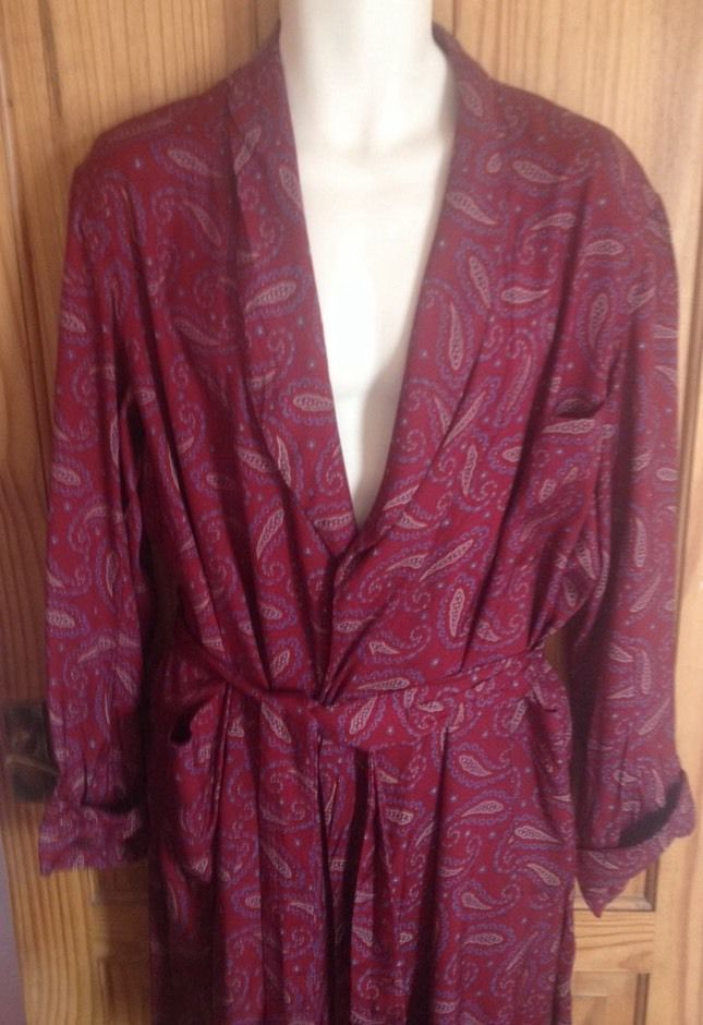 Vintage TOOTAL Claret paisley dressing gown / Smoking jacket / 60s ...