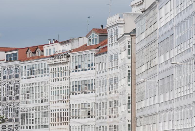 Las tradicionales y famosas galer as de cristal all - Arquitectura de interiores coruna ...