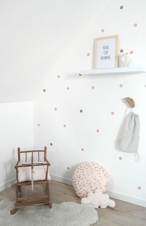 Les stickers gros pois roses et dorés, pour une décoration douce