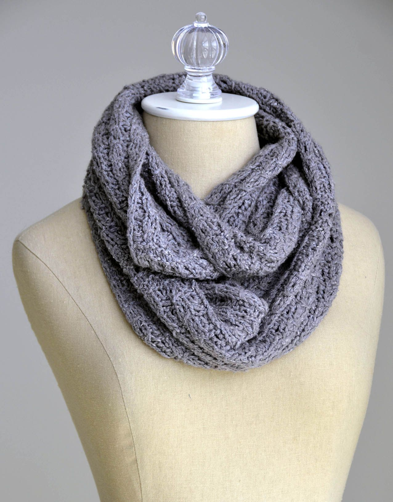 Free Pattern Friday – Ellery Reversible Cowl | knit and crochet ...