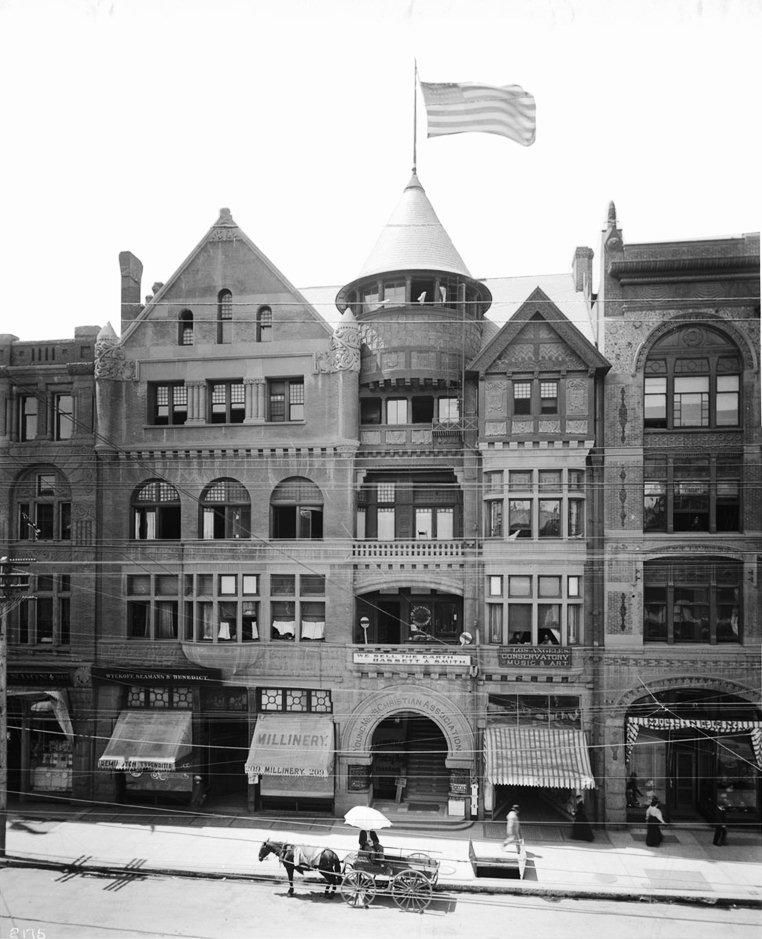 Los Angeles California Circa 1899 View Of The First Building Designed And Constructed As A Ymca Structure In Los Historic Buildings Building Building Design