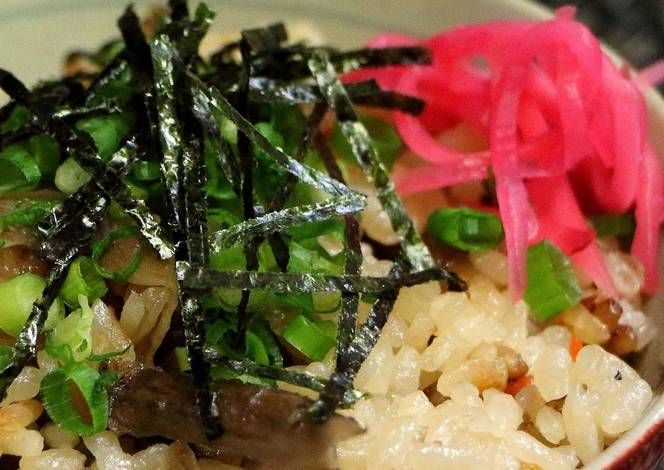 Steamed Chicken Rice Recipe -  Yummy this dish is very delicous. Let's make Steamed Chicken Rice in your home!