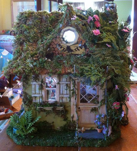 18 Beautiful Fairytale Garden Ideas: Beautiful Fairy House! Love The Details