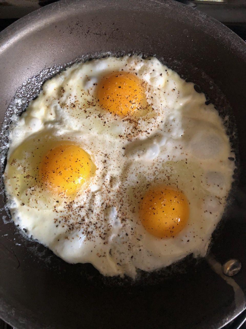 Caramelized Fried Eggs Recipe In 2020 Best Breakfast Recipes