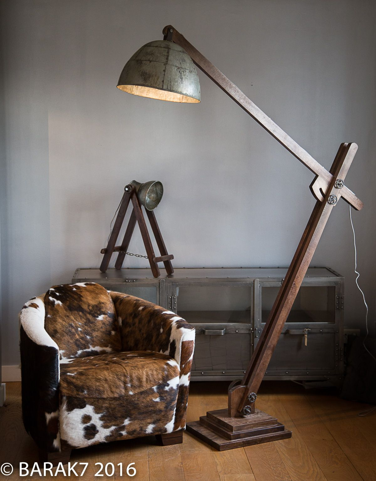 lampe industrielle sur pied acrobat meuble industriel. Black Bedroom Furniture Sets. Home Design Ideas