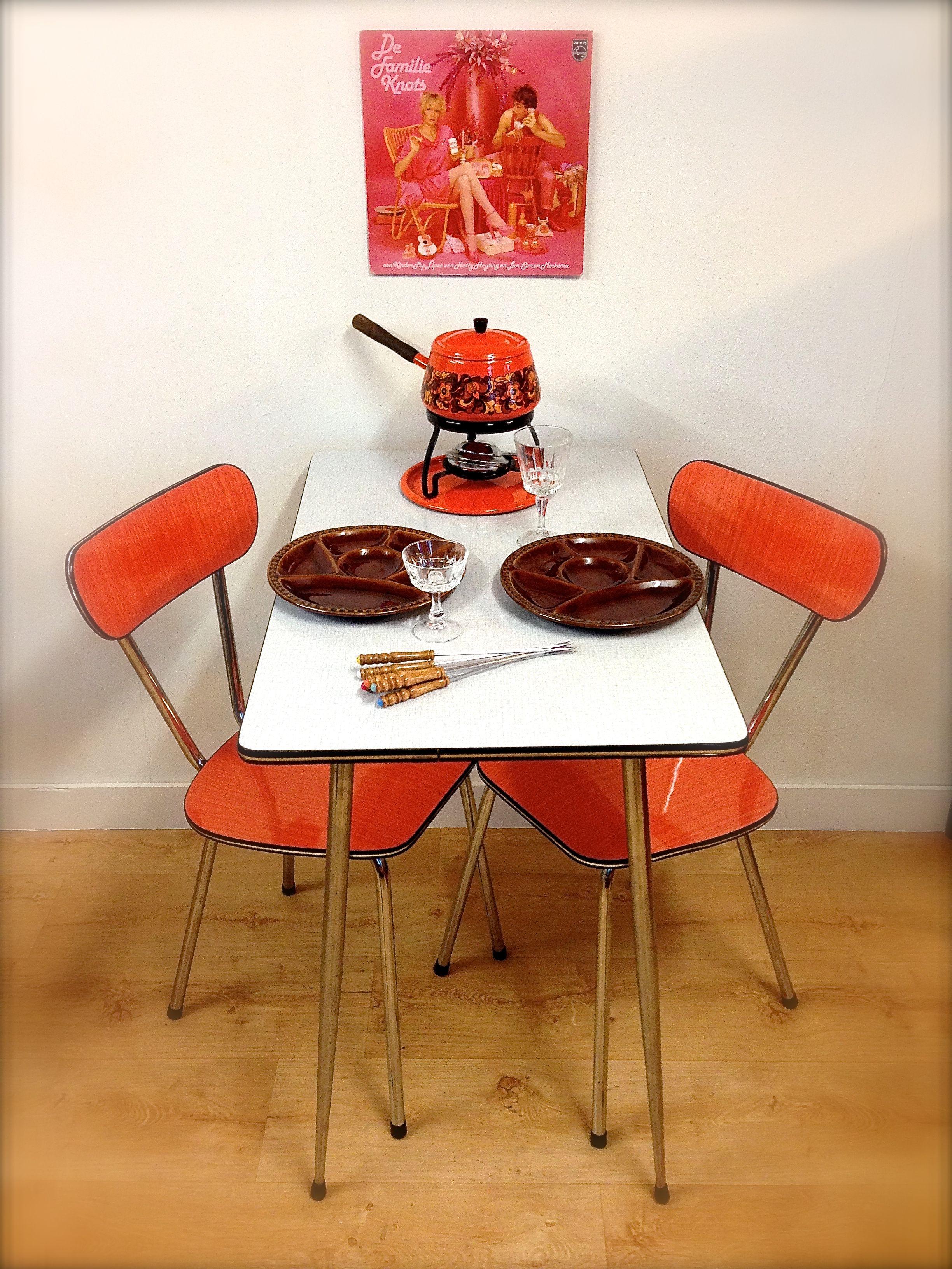Formica tafel en stoelen Retro kitchen Retro table and chairs ...
