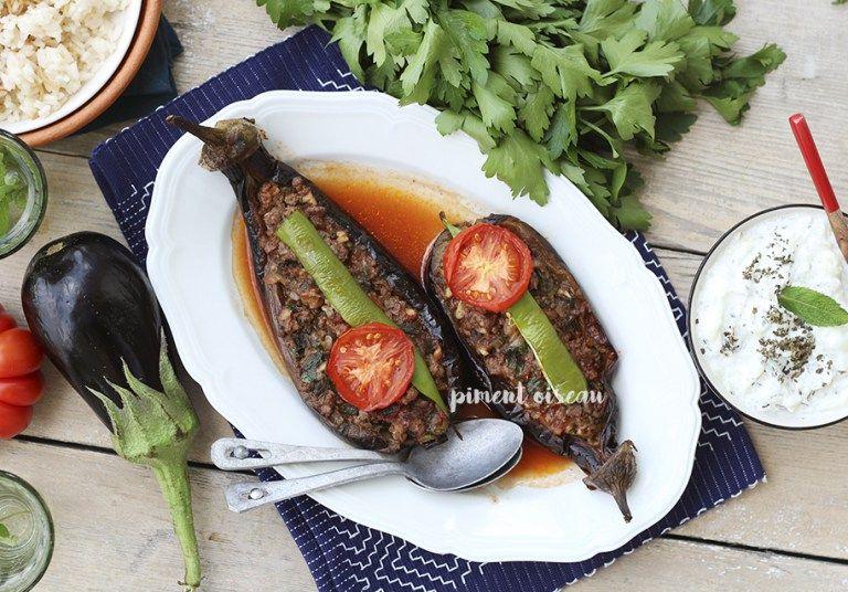 Avant de commencer, je tiens à remercier Irebe, une fidèle lectrice du blog, qui m'a fait découvrirles karniyarik! Ce plat turca conquis tous les estomacs de la maison! Entre l&rsquo…