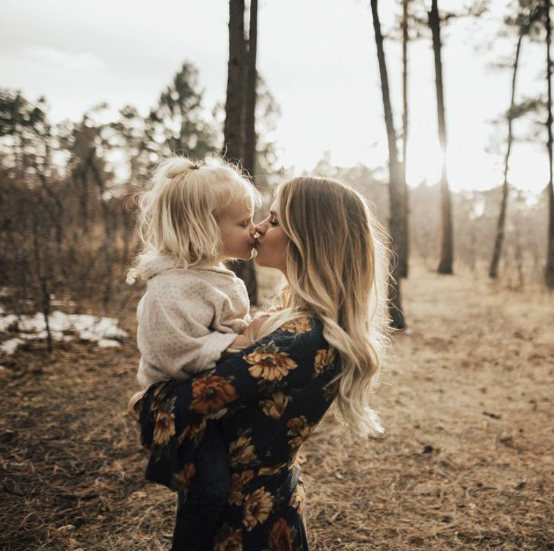 Young Moms are Trending on Instagram Young mom, Mom