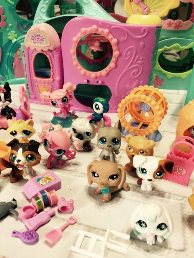 Littlest Pet Shop Huge Lot Club House Tree House Pets Dalmatian Poodle Dachshund Hasbro Littlest Pet Shop Pet Shop Tree House