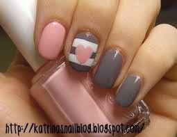 Grey and baby pink hearts nailz!!