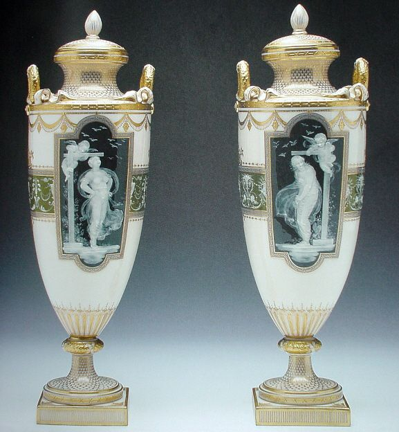 Pair of vases Nymph Putto