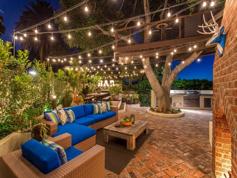 This Silver Lake House Has An Amazing Treehouse Spanish Style Homes Tree House Garden Design Layout
