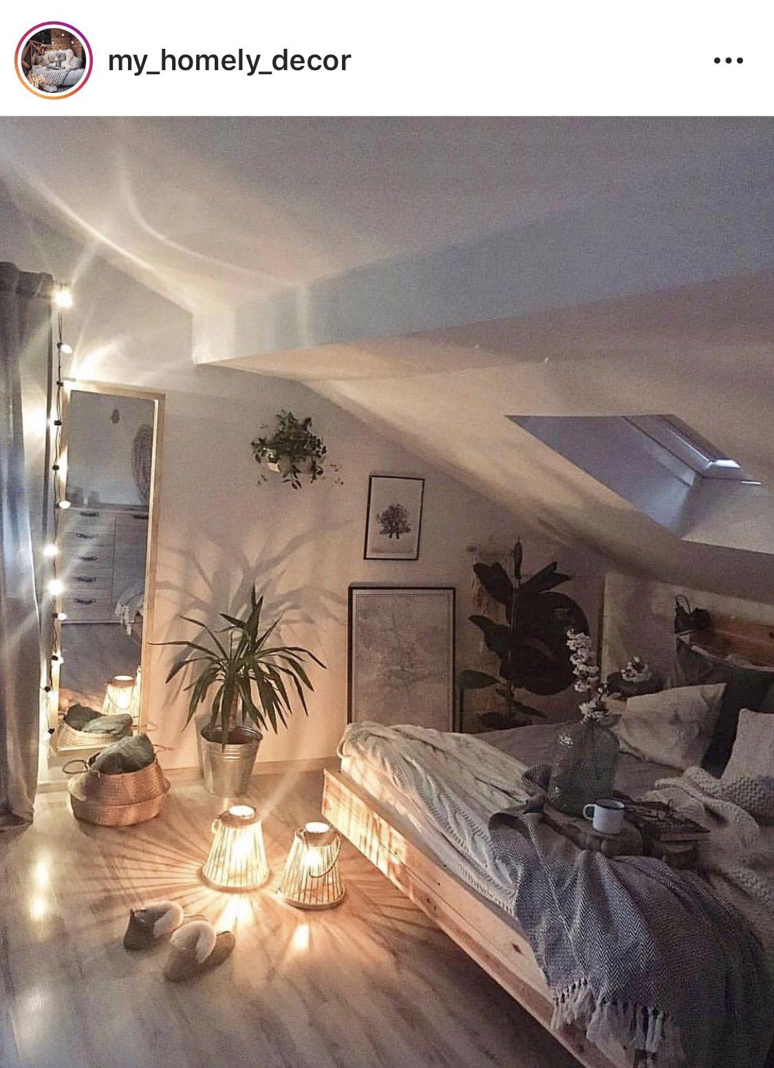 Sous pente +++   Déco intérieure chambre, Idées déco chambre ...