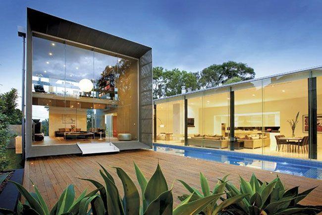 Exterior Futuristic And Minimalist Glass House Exterior Design In