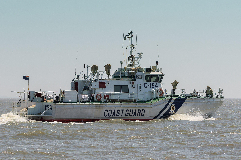 Thane Creek and Elephanta Island 032016 img08 Ships on