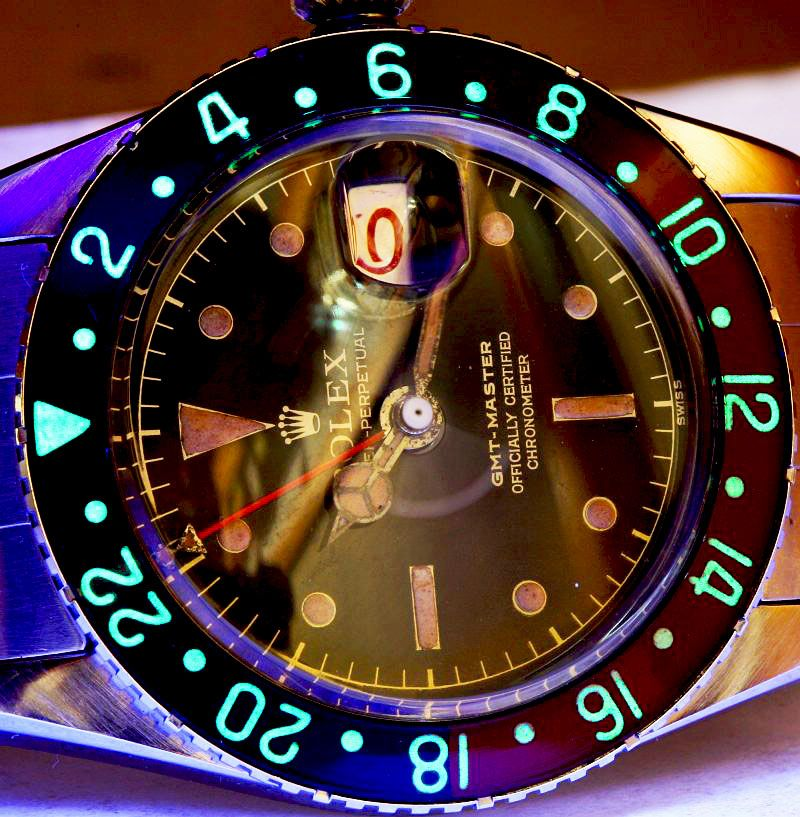 Welcome To RolexMagazine.com...Home Of Jake's Rolex World Magazine..Optimized for iPad and iPhone: Lume Shot Of The Month: Rolex GMT Master ...