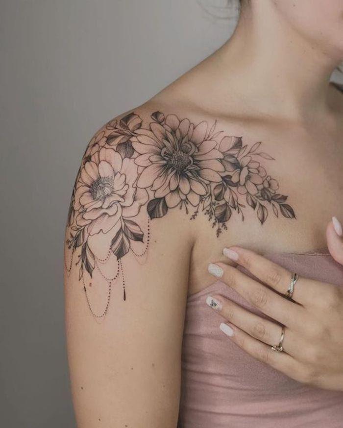 37 Tatuagens Florais fantásticas no Ombro Feminino - Página 8 de 8 - 123 Tatuagens