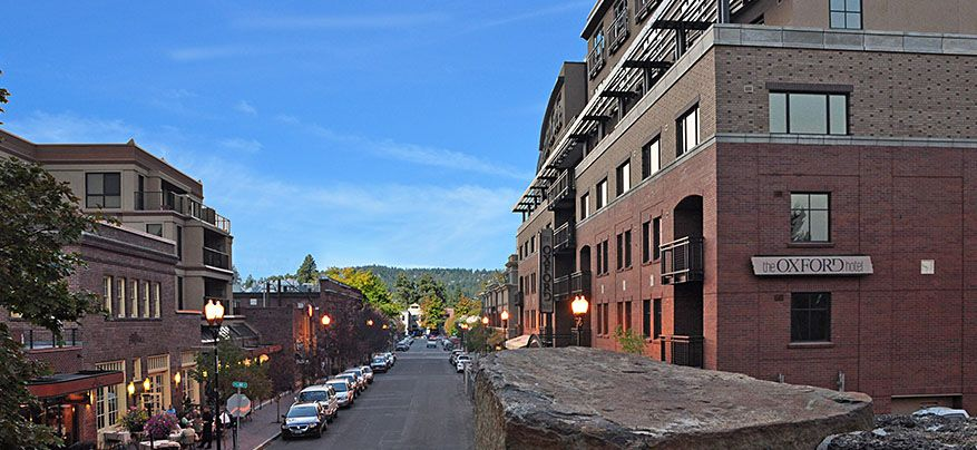 Downtown Bend Oregon Hotel