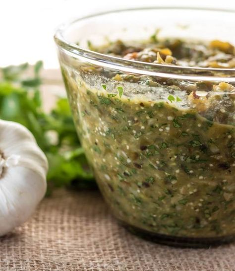 Roasted Tomatillo And Hatch Green Chile Salsa Roasted Tomatillo Hatch Green Chili Recipe Green Chili Recipes