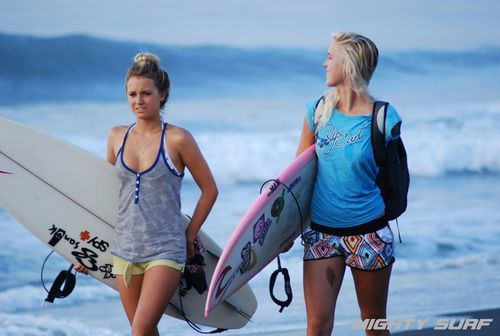 Alana and Bethany, always ready to surf! The movie about this girl, Soul Surfer, is inspiring.